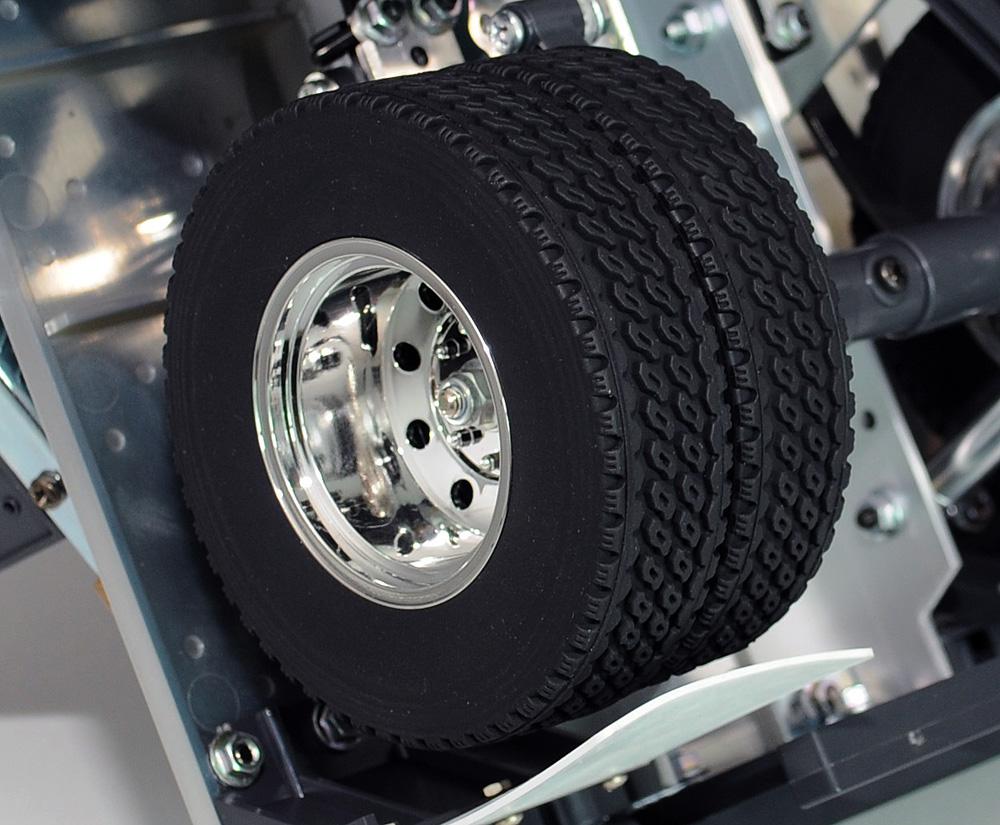 Semi Truck Snow Tire Chains